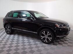 2017 Volkswagen Touareg V6 Wolfsburg Edition 4Motion **SAVE ADDITIONAL $1000 WITH LOYALTY BONUS** Elgin IL