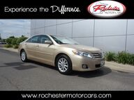 2010 Toyota Camry XLE Leather Sunroof Bluetooth Rochester MN