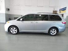 2015 Toyota Sienna LE Taylorsville IN