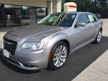 2017_Chrysler_300_Limited_ Cape Girardeau