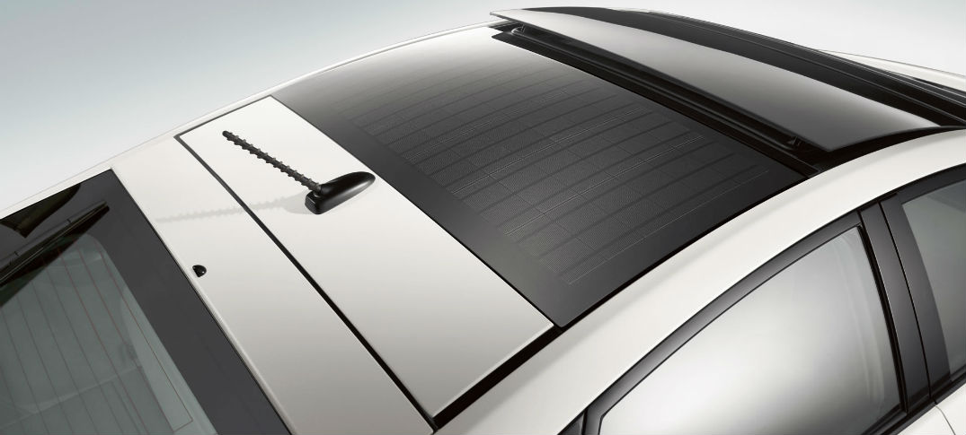 Prius Solar Roof >> What Does The Toyota Prius Solar Panel Roof Feature Do