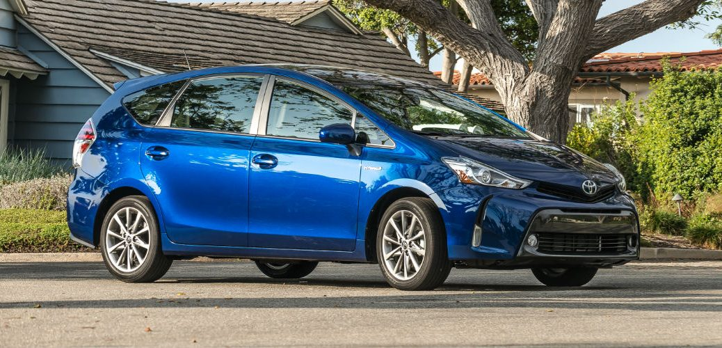 features of the 2016 Prius V