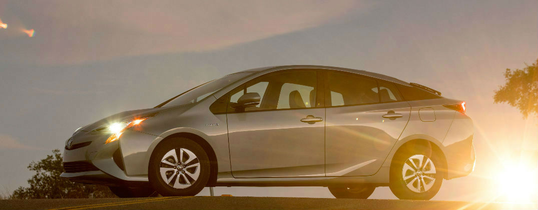 How Efficient Is The New Toyota Prius And Much Will It Cost
