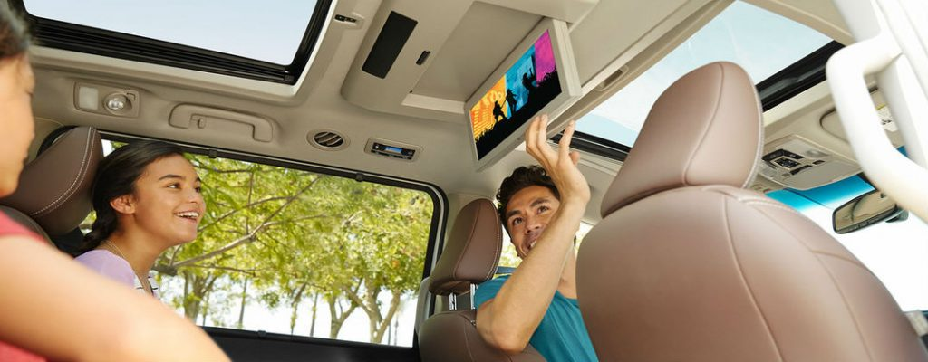 2016 Toyota Sienna vs 2017 Chrysler Pacifica at Gale Toyota-Enfield CT-Toyota Sienna Dual-View Entertainment System