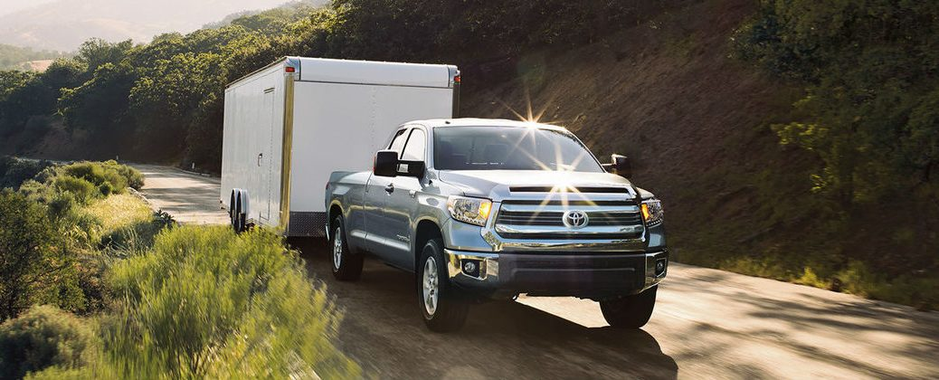 Official 2016 Toyota Tundra Towing and Payload Specs at Gale Toyota-Enfield CT-Silver 2016 Toyota Tundra Towing a Trailer