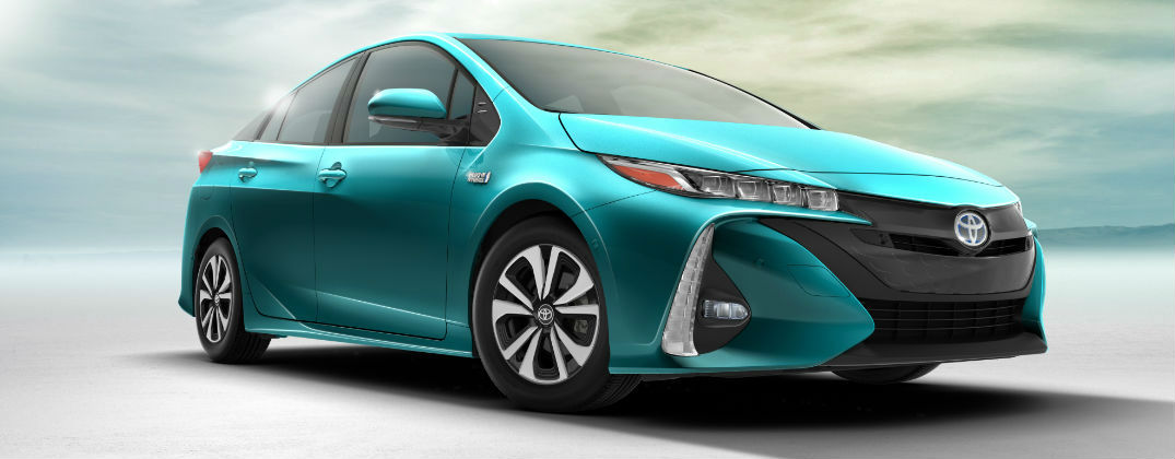 Take a Closer Look at the Design and Features of the All-New 2017 Toyota Prius Prime