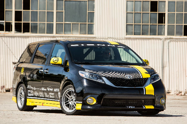 Black and Yellow Toyota Sienna R-Line Concept Design and Exterior