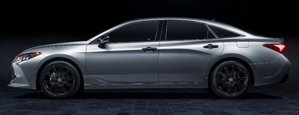 Side view of silver 2021 Toyota Avalon