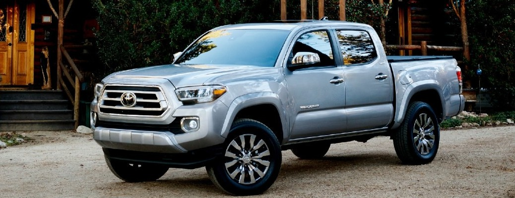 What performance features are available in the 2021 Toyota Tacoma?