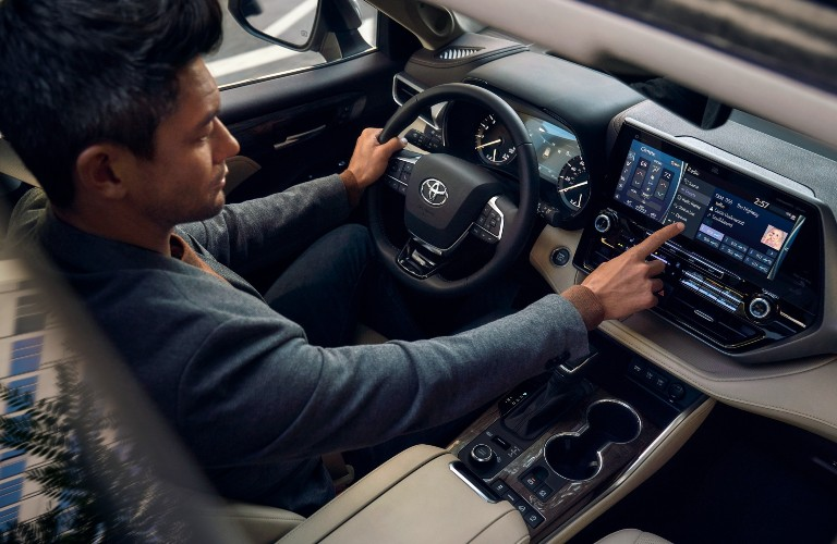 Interior view of the 2021 Toyota Highlander