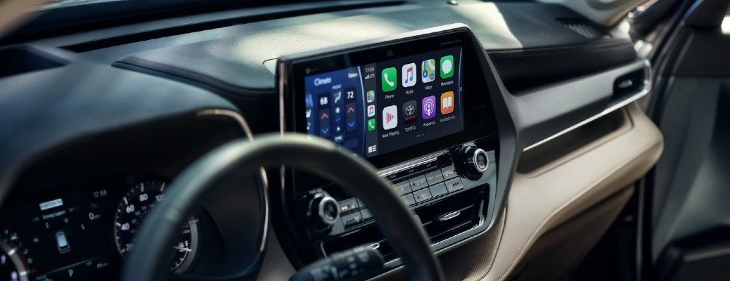 An infotainment screen inside the 2021 Toyota Highlander with Apple CarPlay® compatibility.