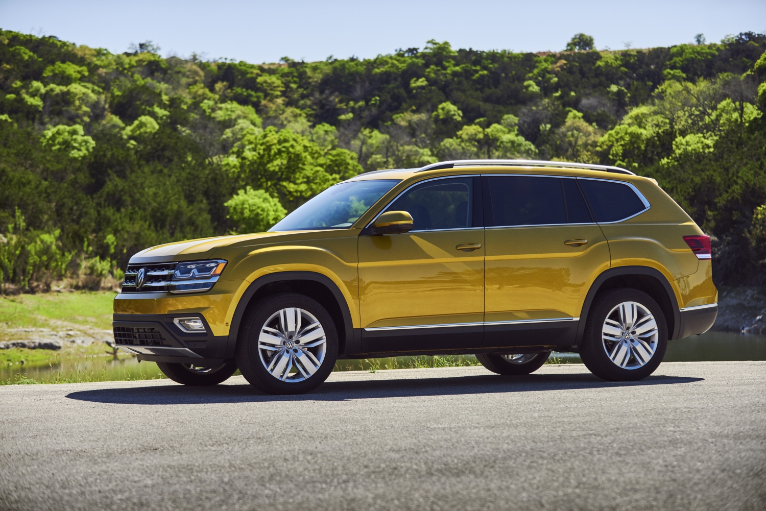 Atlas Named 2018 Best Three Row Suv For Families By Pas Magazine And Edmunds