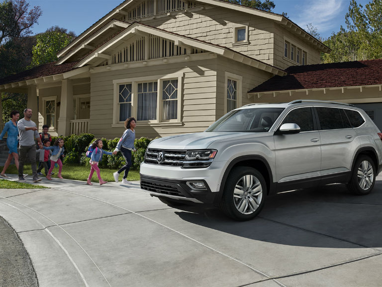 side view of a white 2019 VW Atlas