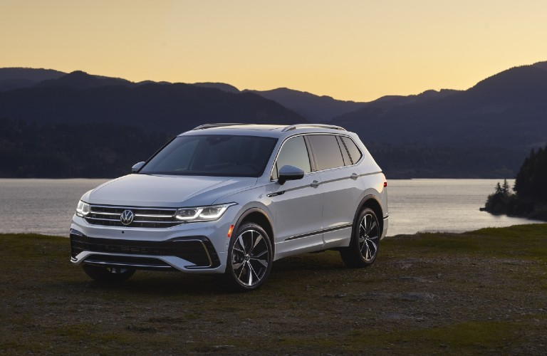 2022 Volkswagen Tiguan front and side profile