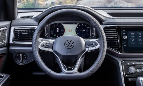 Steering wheel and center touchscreen of 2020 VW Atlas Cross Sport