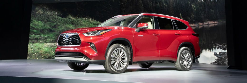 2020 Toyota Highlander Exterior Driver Side Front Profile at NYIAS