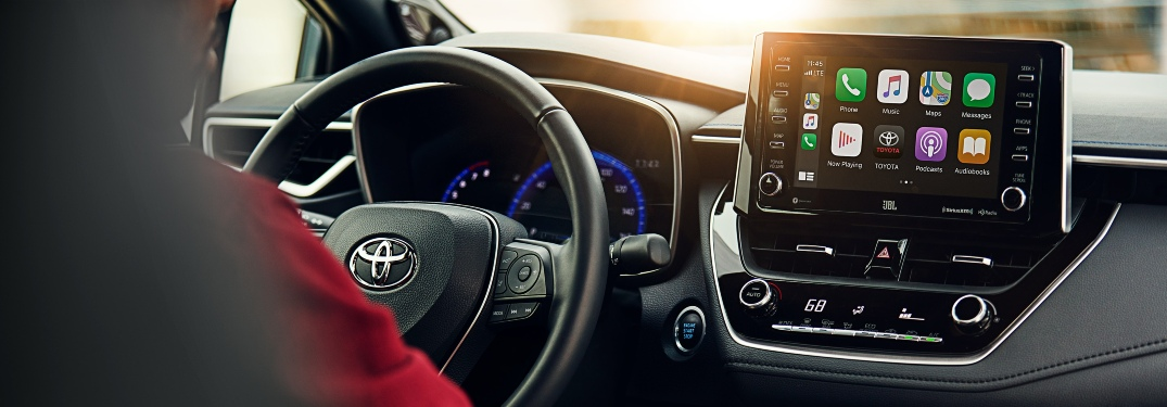 Which Toyota models have Apple CarPlay?