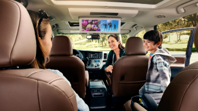 family in a 2020 Sienna