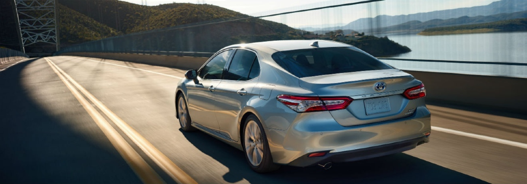 Does the 2020 Camry have blind-spot monitoring?