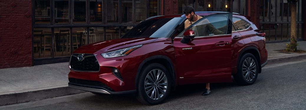 2020 Highlander parked on the curb