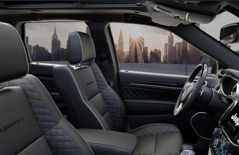 2021 Jeep Grand Cherokee interior front view