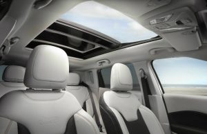 2019 Jeep Compass dual-pane panoramic sunroof