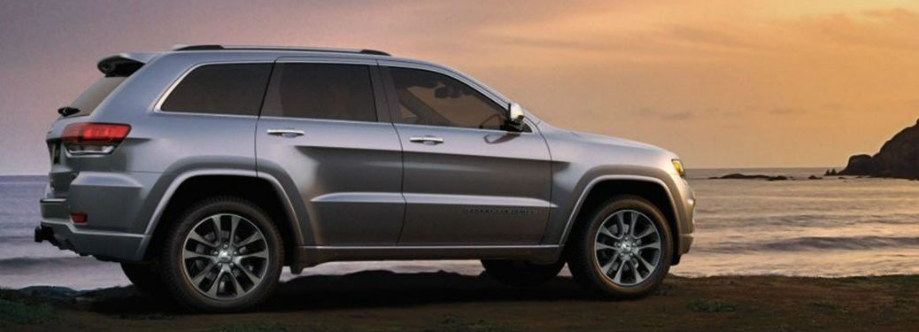 2019 Jeep Grand Cherokee side profile