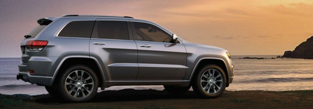 Jeep Grand Cherokee Cargo Space >> Large Interior Of New 2019 Jeep Grand Cherokee Suv Provides