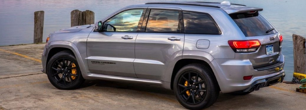 2020 Jeep Grand Cherokee side profile