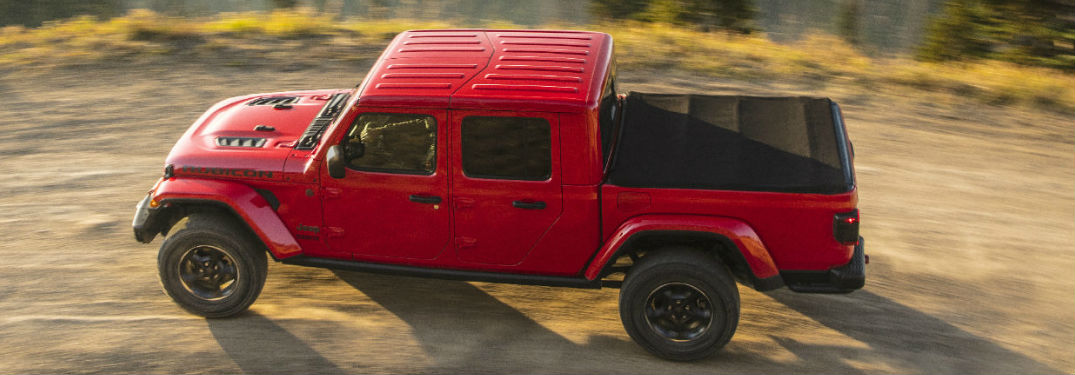 Powerful 2020 Jeep Gladiator pickup truck offers an extensive list of technology and comfort features