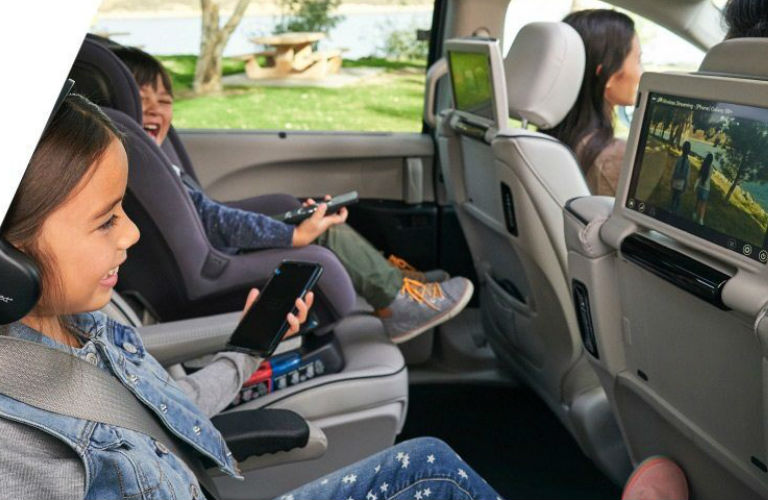 2020 Chrysler Pacifica second-row seats