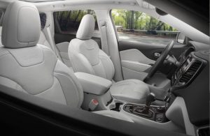 2020 Jeep Cherokee front seats