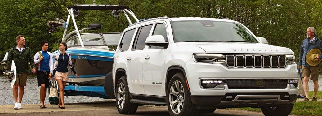 2022 Jeep Wagoneer towing a boat