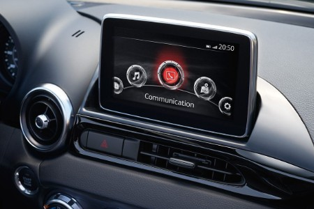 Close up of the FIAT Connect 7.0 touchscreen in the 2019 FIAT 124 Spider