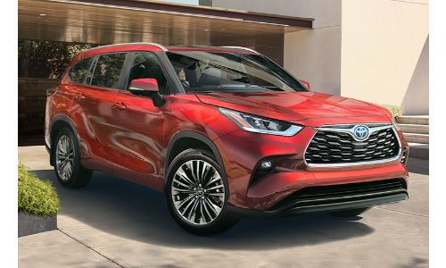2020 Toyota Highlander parked in the driveway
