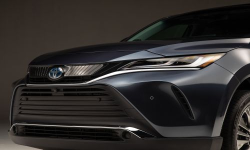 Closeup view of the grille of the 2021 Toyota Venza