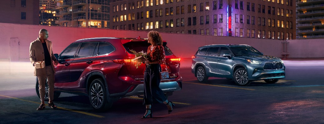 couple by two 2021 ToyotaHighlander models