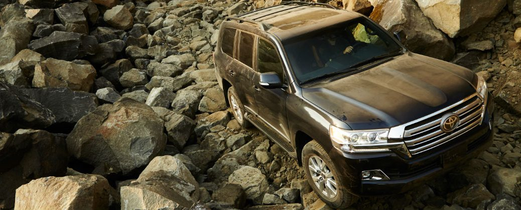 What Makes the 2016 Toyota Land Cruiser a Great Off-Road ...
