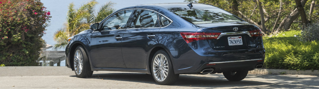 Bscolumns 2017 Toyota Avalon Back