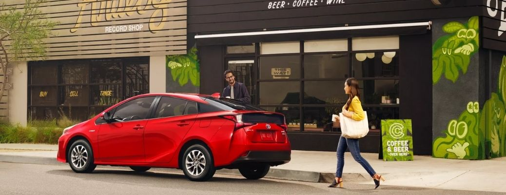Red 2022 Toyota Prius on the side of a road. What is the performance rating?