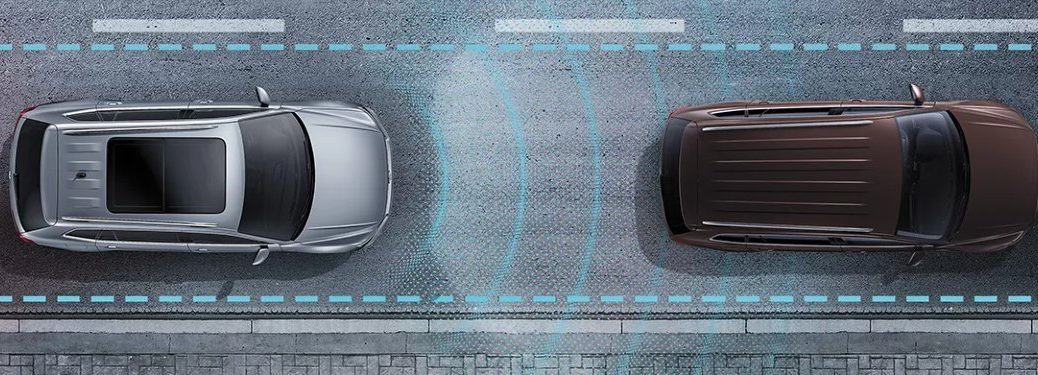 Graphic of a 2022 Volkswagen Taos using Adaptive Cruise Control