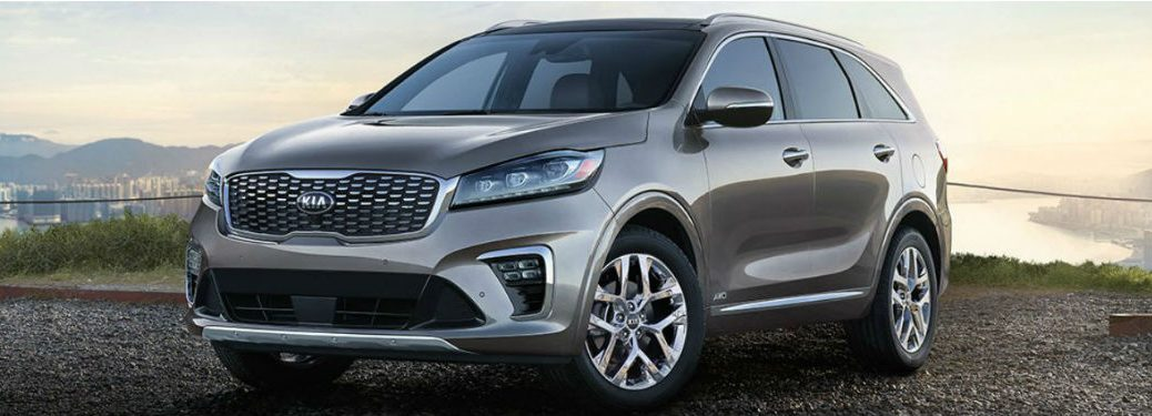 2019 kia sorento header image in front of sunrise