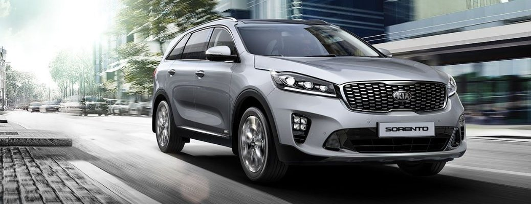 Front view of 2019 Kia Sorento driving on city road