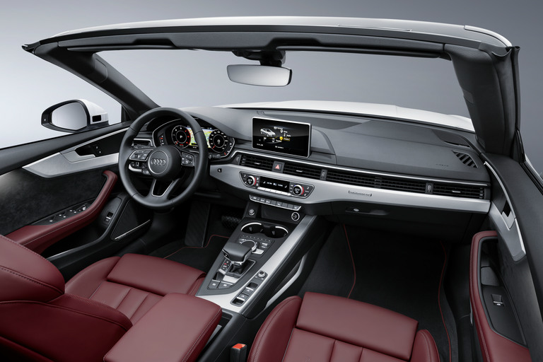 2018 Audi A5 Cabriolet steering wheel and front dashboard