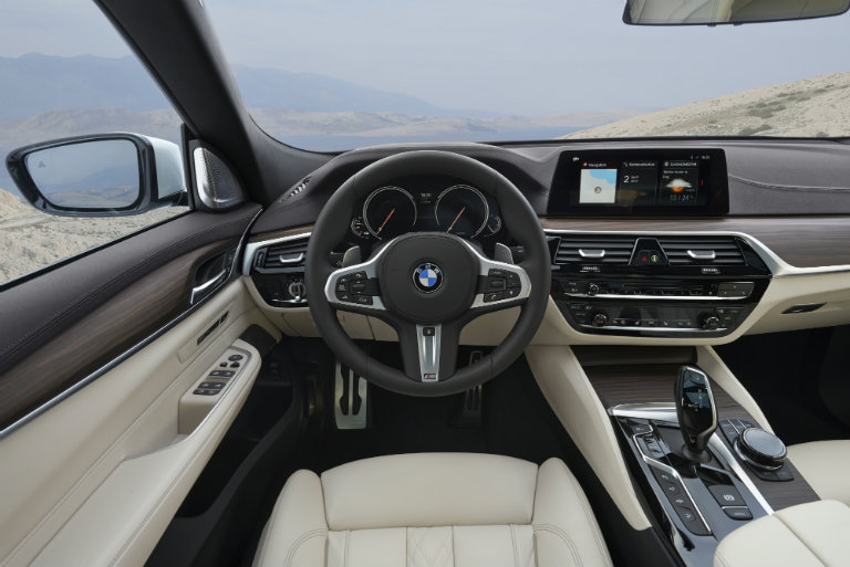 interior and steering wheel of the 2018 BMW 6 Series Gran Turismo