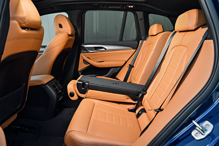 luxurious folding rear seats of the 2018 BMW X3