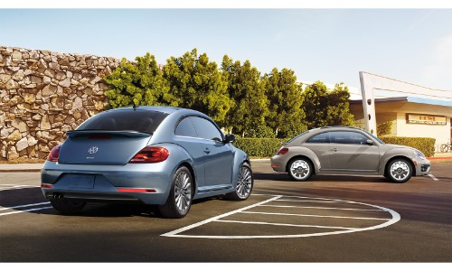 2019 Volkswagen Beetle Final Edition Coupe Hatch Exterior Models With Blue And Brown Metallic Colors Parked