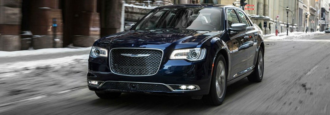 What colors does the 2017 Chrysler 300 come in?
