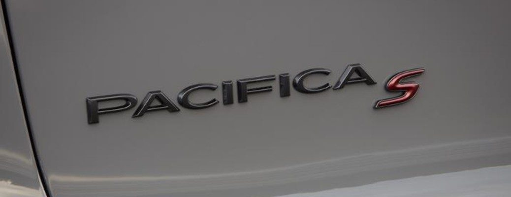 Isolated view of Chrysler Pacifica Red S badge