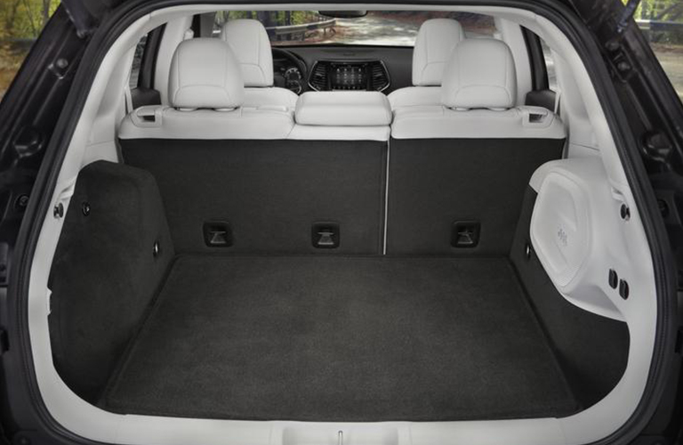 Rear cargo area inside 2020 Jeep Cherokee